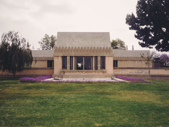 Hollyhock House P1200777lo 8 2
