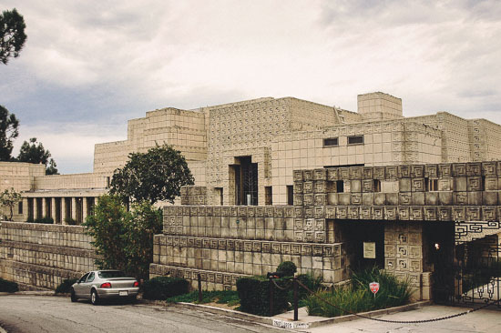 Ennis_House_front_view_2005-2.jpg